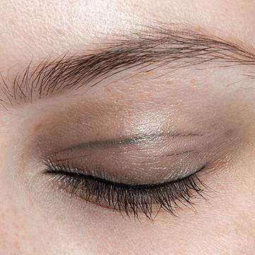creased-eyeshadow