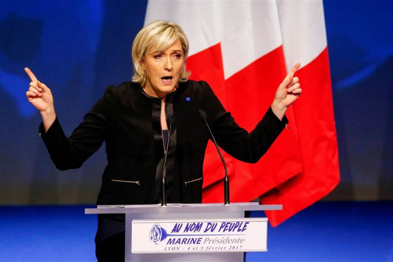 170223-world-france-marinelepen-stage-0654_c3fb75980007e4b6c3443d26e312eb3f-nbcnews-fp-1200-800