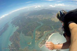 Pemandangan Pulau Langkawi ketika di udara Imej Kredit: SkydiveLangkawi